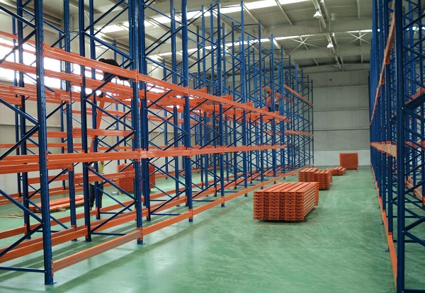 The collocation and introduction of heavy storage shelf and pallet shelf